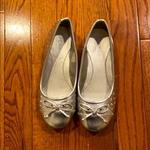 Silver girls dress shoes